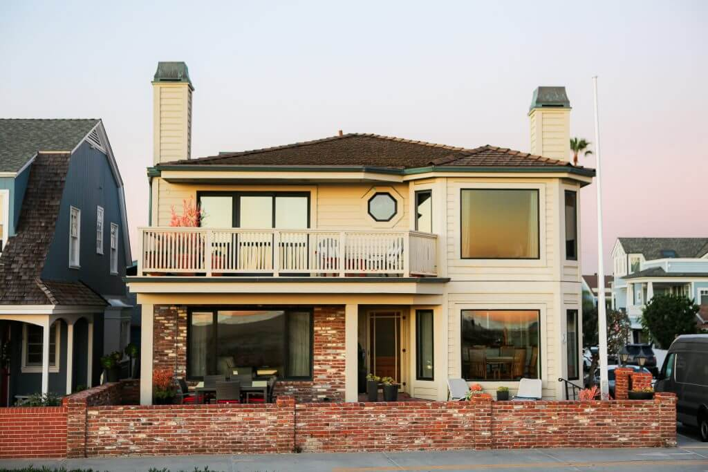 Newport Beach Roofing Contractors 949 500 3980 Free Estimate